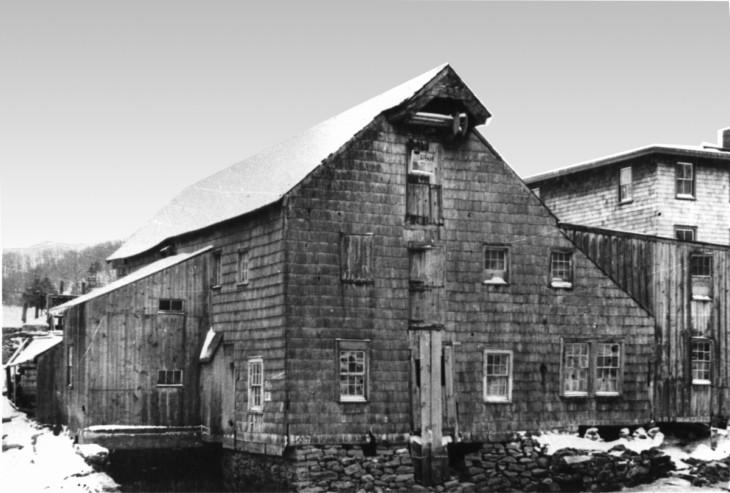 Grist Mill back w stone